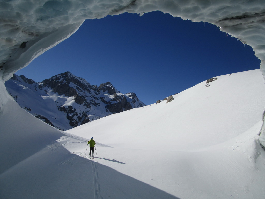 ľadovcový_tunel